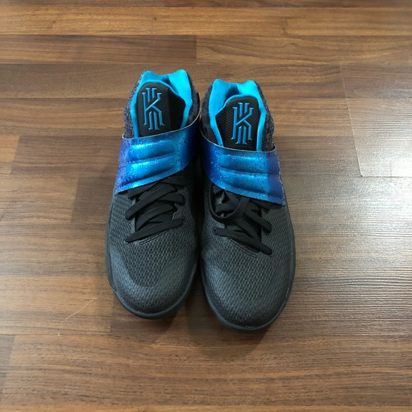 Nike Shoes   Kyrie 2 Wet Rain Size 7